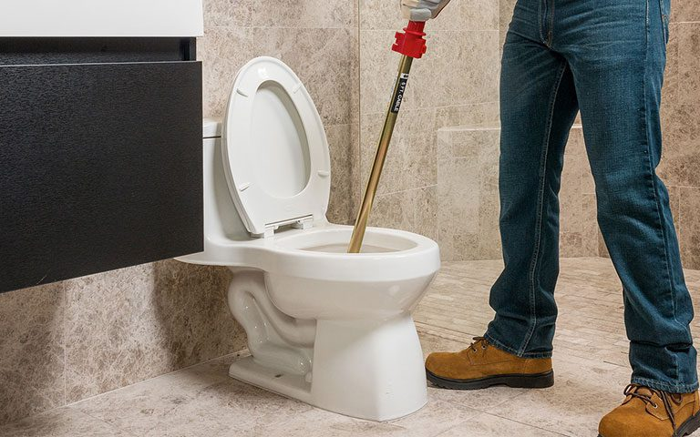 باز کردن لوله توالت فرنگی